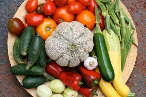 Food sharing - declaring the war on food waste. Photo Credit: thebittenworld.com (Flickr).